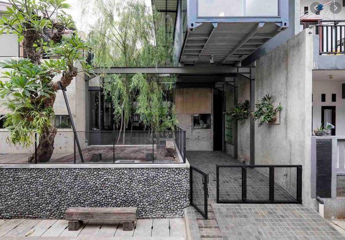 Porch Rumah Teres Natural